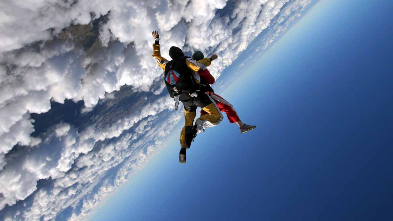 salto en paracaidas 1 Vulcano Studios